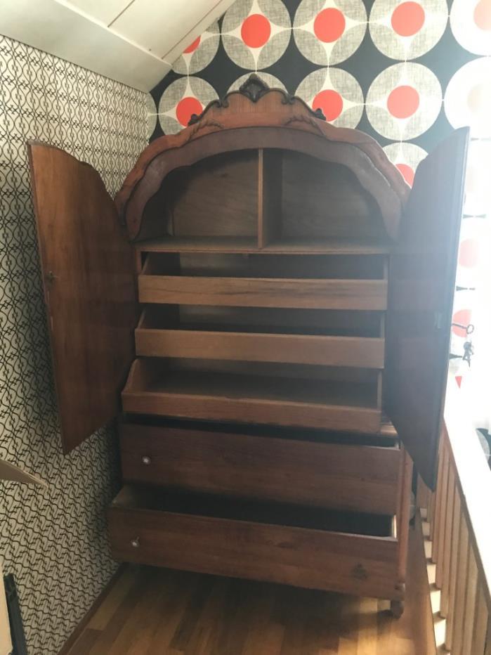 2 Piece Dresser