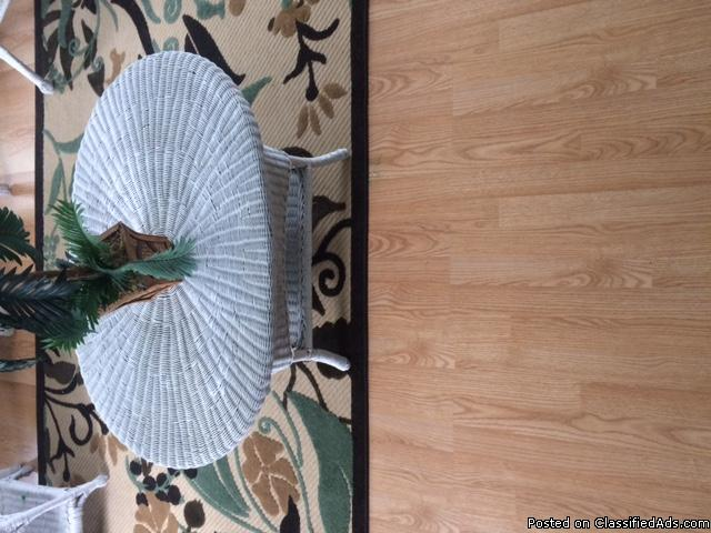 wicker white oval table very nice