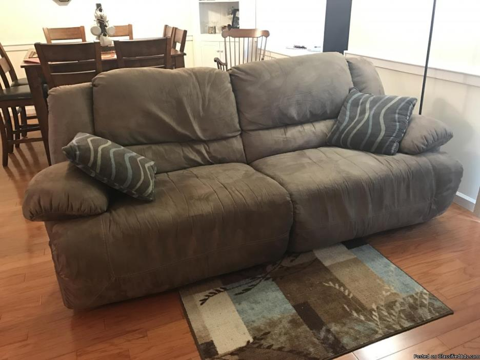 Reclining couch and matching chair