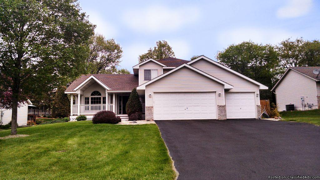 $359900 / 4br - 2310ft2 - ***Beautiful Bright & Open Home- Many Updates***