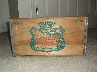 Vintage 1962 Canada Dry Soda Wood Crate, Williamsport, PA