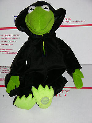 Disney Store Constantine Plush Kermit Frog w Black Robe Muppets Most Wanted 17
