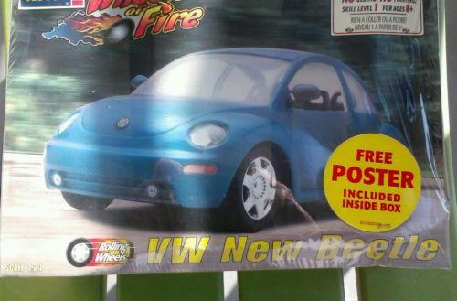 1998 REVELL ROLLING WHEELS VW NEW BEETLE SNAPTITE KIT - NIB - Scale 1:24