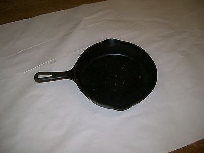 griswold cast iron #9 skillet w/2 lips Erie ,PA.