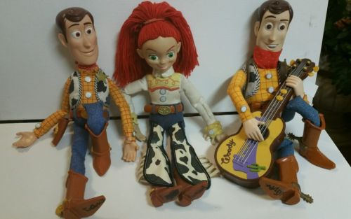 toy story 1-2 woody and jessie and woody with guitar plays music nice 15