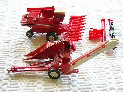 Ertl 1-row Corn Picker IH/McCormick  2 1/8