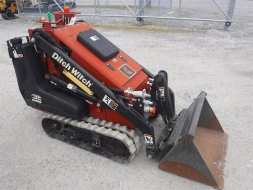 DITCH WITCH SK350 WALK BEHIND MULTI-TERRIAN LOADER,KOHLER GAS, 361 HRS!