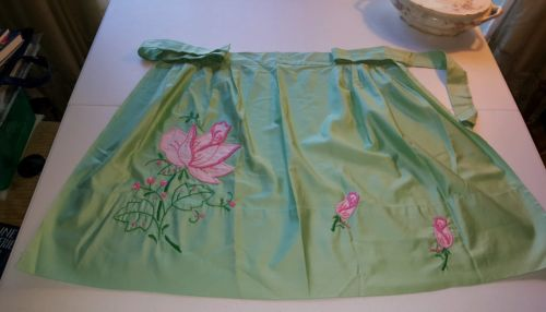 Vintage apron Pink & Celery Green Appliqued / Embroidery Half Apron