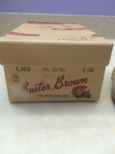 Buster Brown, For Boys And Girls  1 Pair 4 1/2 D Shoes in Original Box