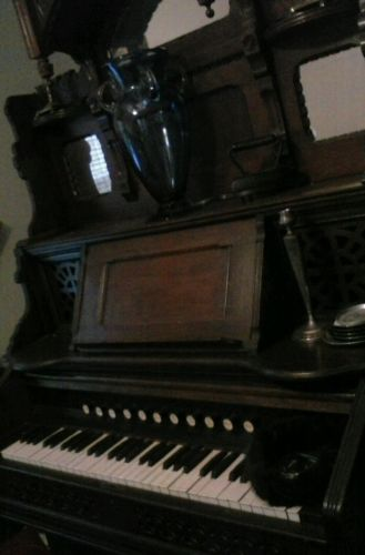 antique vintage pump organ