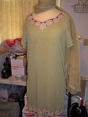 MIDDLE EASTERN WOMENS CLOTHING, COSTUME, JEWEL WORK, EMBROIDERY, SIZE SMALL
