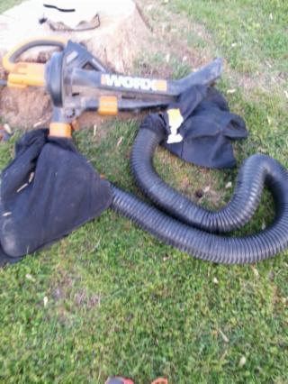 Worx leaf blower with bag attachmnt