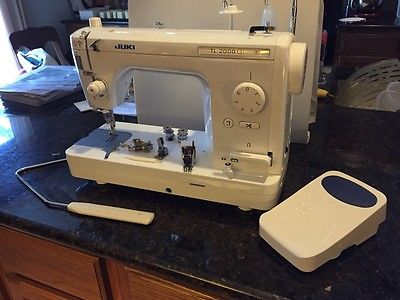 Juki TL 2000 QI sewing machine