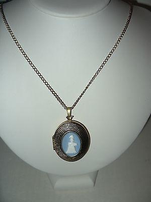 Vintage AVON Mrs. Albee Cameo Perfume (Rapture) Locket Pendant & Goldtone Chain