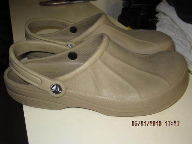 CROCS Men Sandals Size 11