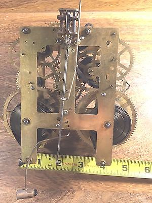 Old Sessions Clock Movement          (Watch The Video)     (Sessions Lot 855)