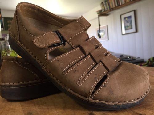 Women / Men Tan Brown Birkenstock Clog Buckle Sandals 40  - 7 26o L9 M7