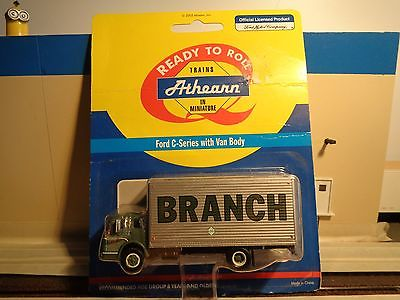 HO Athearn Ford C-Series with Van Body