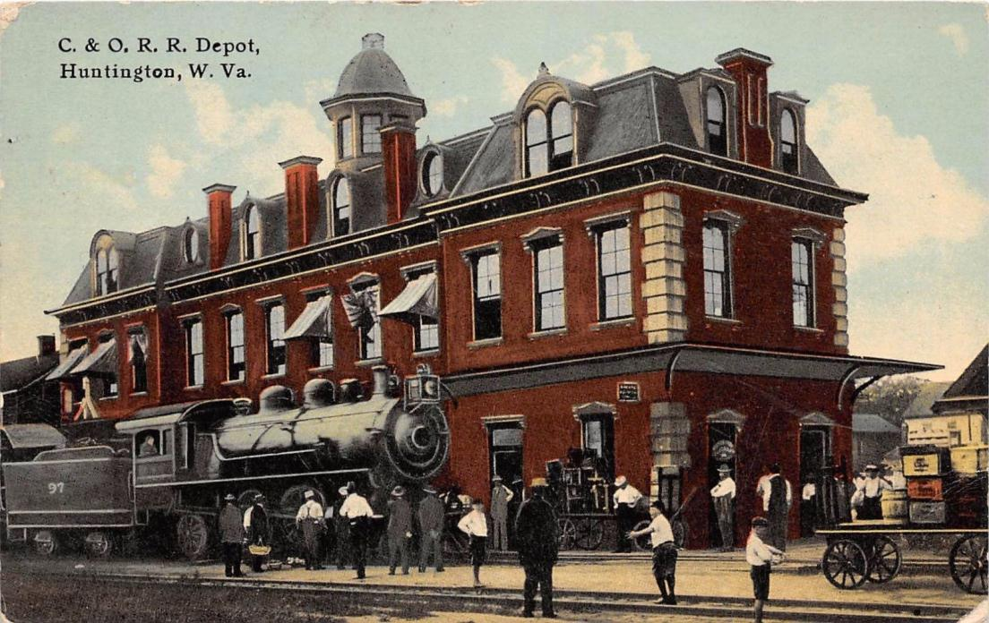 A80/ Huntington West Virginia WV Postcard c1910 C&O Railroad Depot Steam Loco