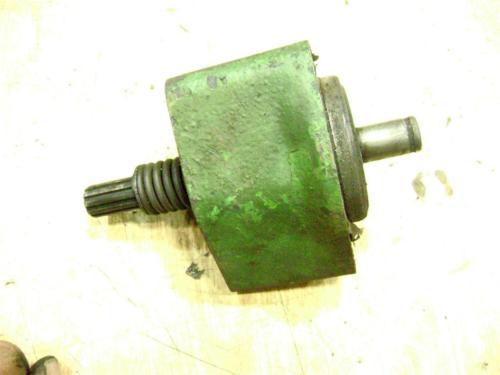 John Deere 720 Diesel Fan Shaft drive shaft and casting
