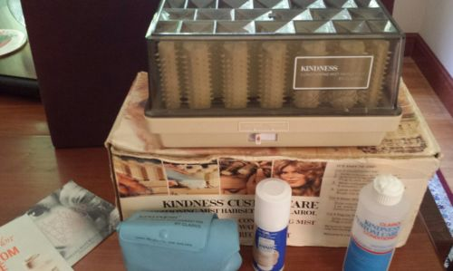 Vintage 1971 kindness custom care conditioning mist hairsetter in box