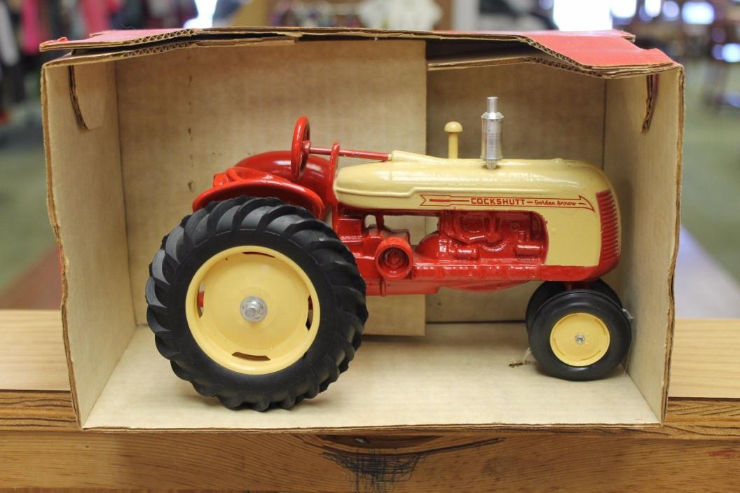 1/16 1990 Cockshutt Golden Arrow 3rd World Ag Show Collector Tractor In Box