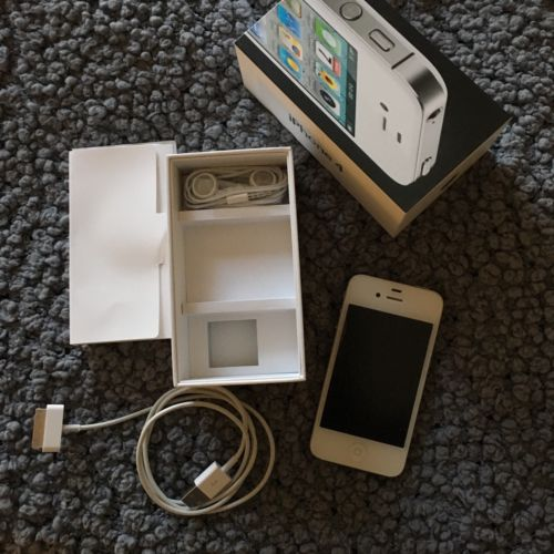 White iPhone 4 16GB Bundle (Verizon)