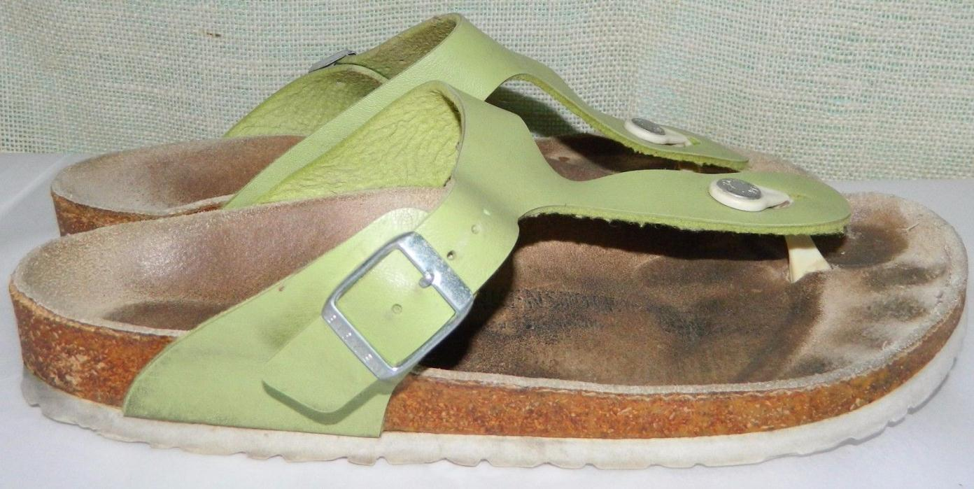 BIRKENSTOCK Green Leather flip flops Thong Sandals  Size 40 reg womens