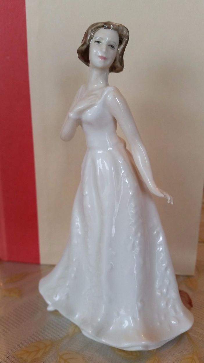 Royal Doulton Figurine 4442 Cherish (2001)