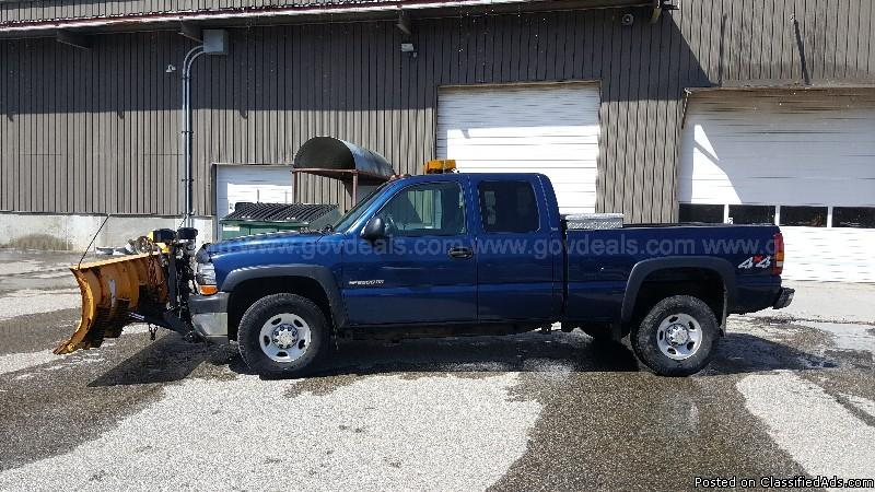 2002 Chevrolet Silverado 2500HD Ext. Cab Short Bed 4WD