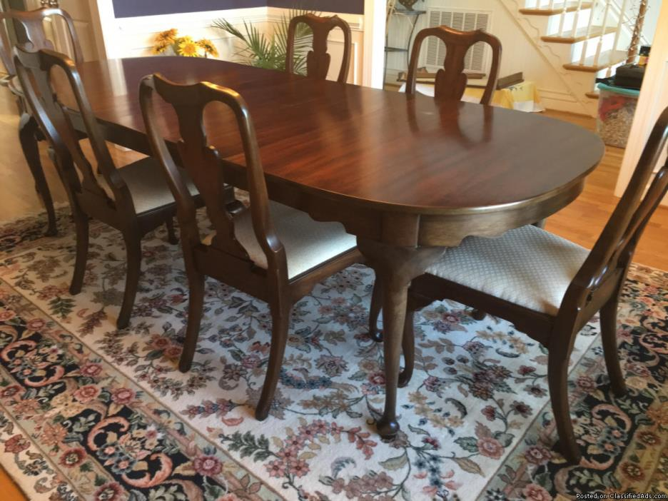 Henkel Harris Dining Table and Chairs