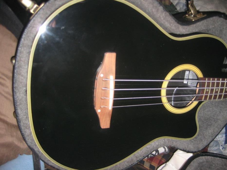 VG cond.Acoustic/Elec. Ovation Bass w/ Hard case
