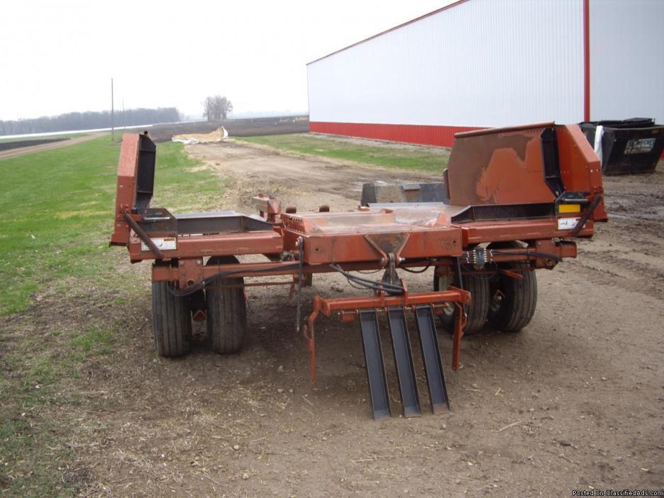 Hesston 3x3 Cummulator