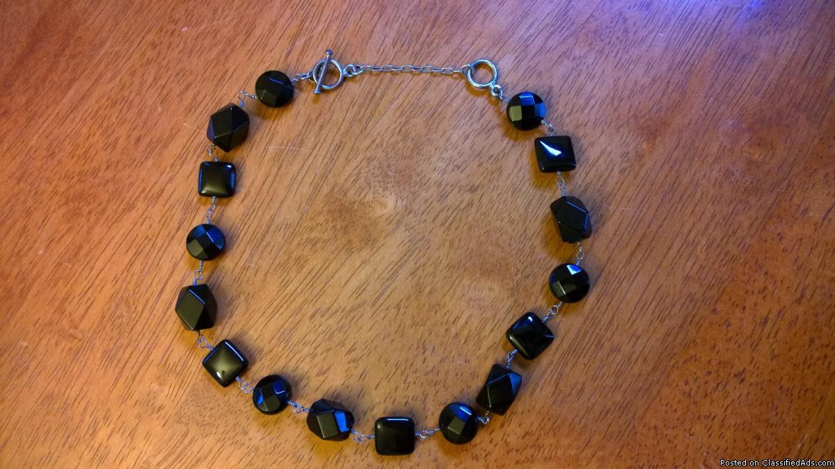3D Onyx Chunky Retro Necklace