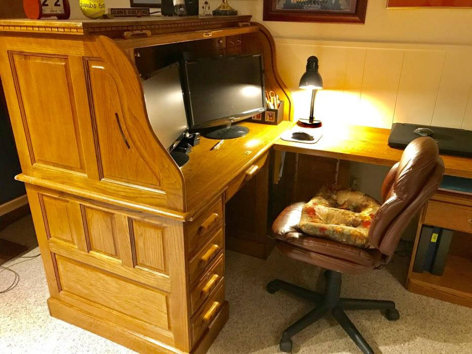 Oak Roll-top Desk w/oak extension leaf