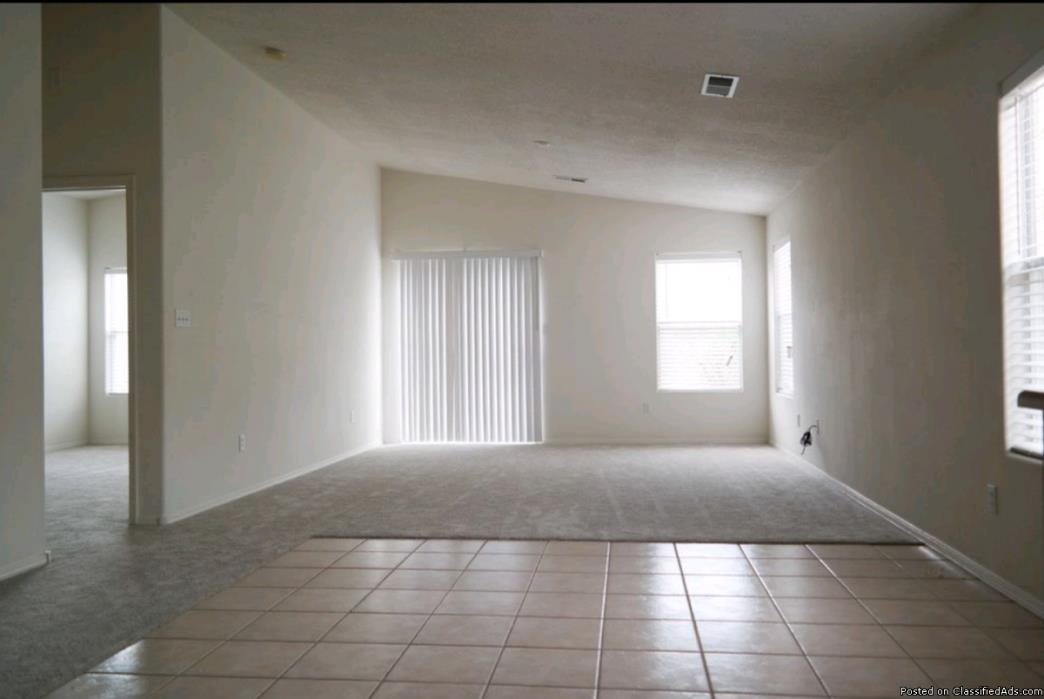 Lovely squeaky 3 Bedroom/2 Bath single family home for rent in Rio Rancho, NM...