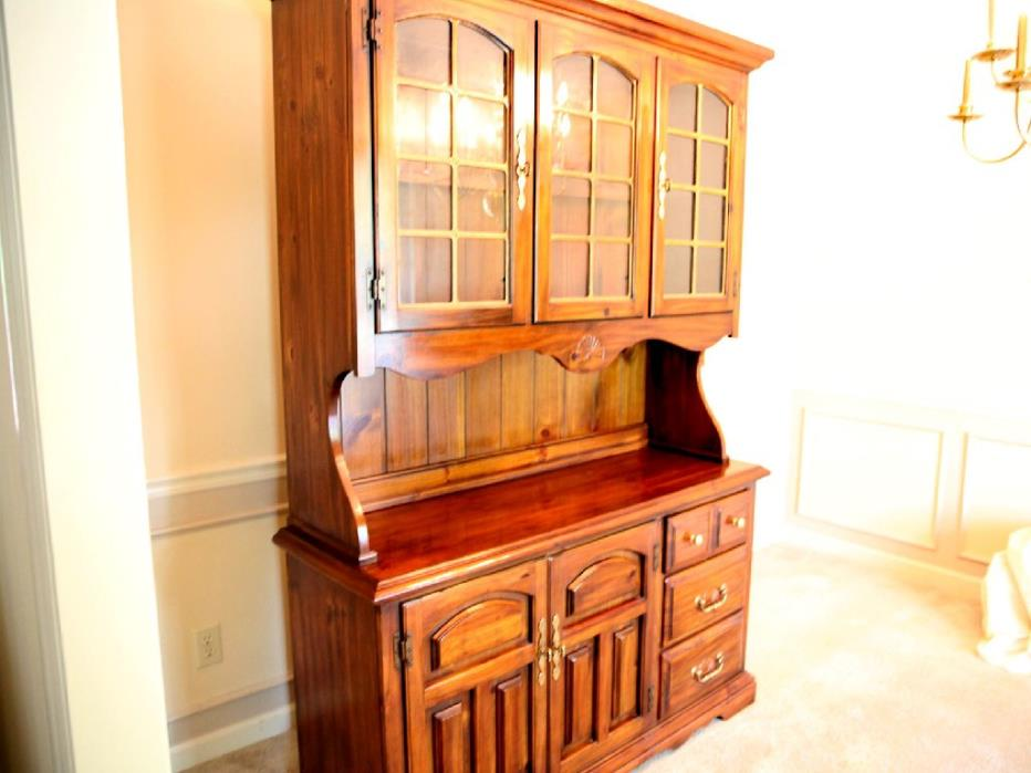 Hutch and Buffet for Dinning Room