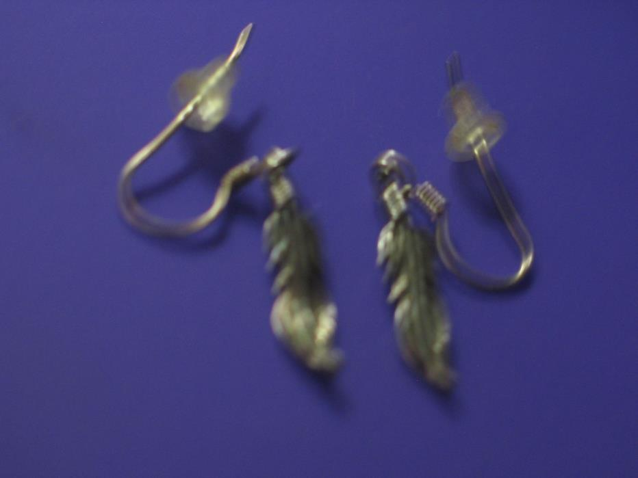 925 Sterling Silver Casted Feather Shepherd Hook Dangle Ear4rings
