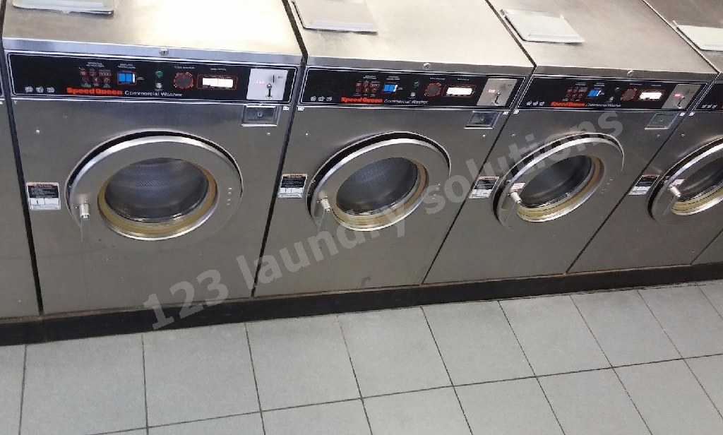 For Sale Speed Queen Front Load washer 30 lb SC30MD2OU6 0001 Used