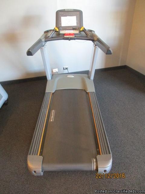 Matrix T7xe Commercial Treadmill RTR#6123633-04,05