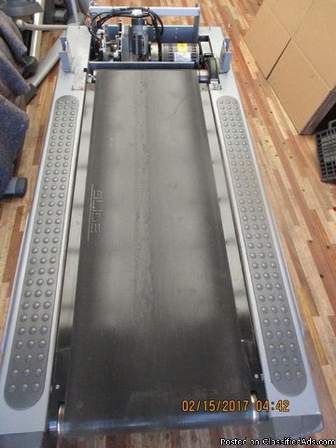 (2) Life Fitness 95TI Treadmills (Parts) RTR#7021013-01