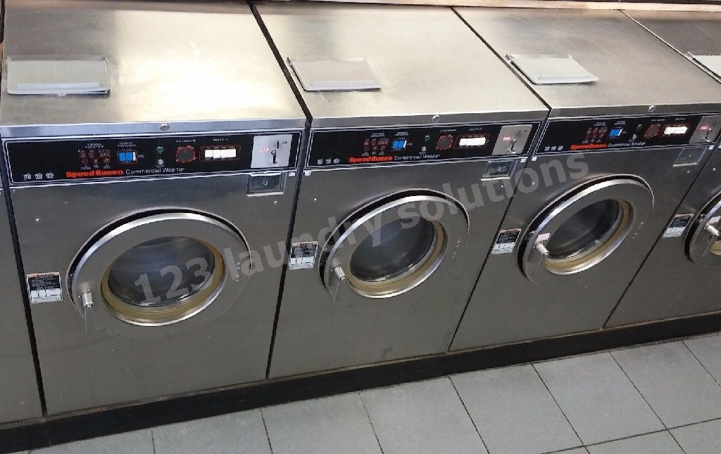 Heavy Duty Speed Queen Front Load washer 30 lb SC30MD2OU6 0001 Used