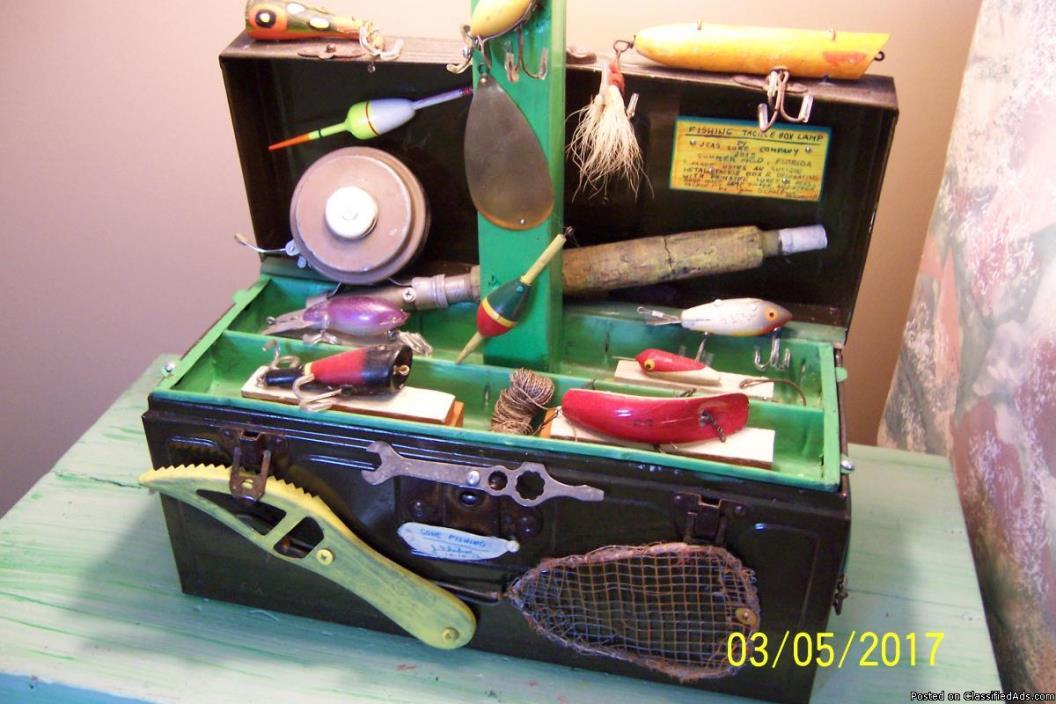 VINTAGE FISH TACKLE BOX LAMP 1930-1940'S