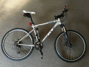 Mens Mountain Bike GT Avalanche 1.0 (Magnolia)