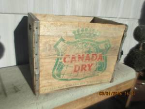 Vintage ANTIQUE soda pop WOOD crate CANADA DRY (Federal way)
