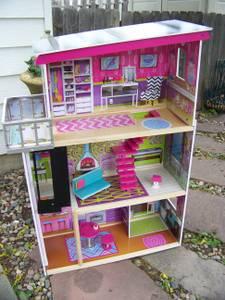 KID KRAFT BARBIE DOLL HOUSE PLAY HOUSE w/ FURNITURE (Englewood)