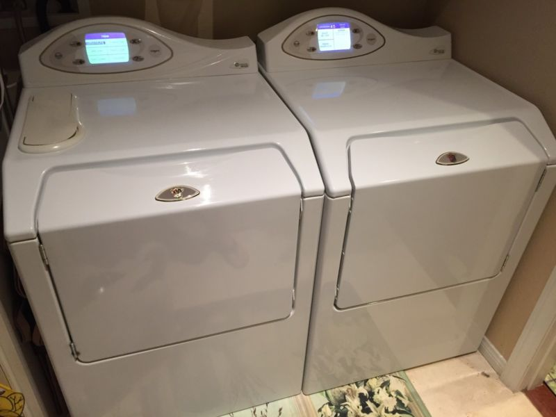 Maytag Neptune white washer & gas dryer