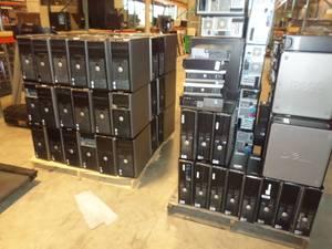124 Dell Optiplex Computers cpus & Monitors