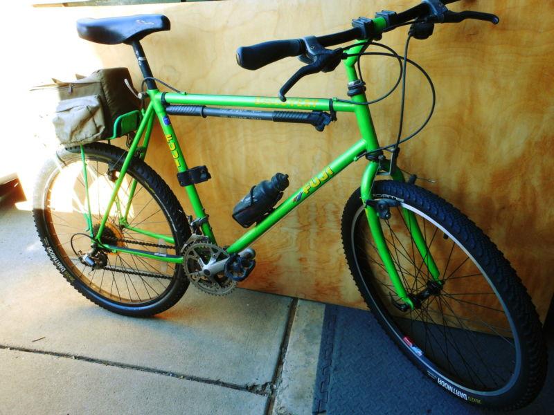 Great condition, light green 21 speed Men's Fuji Mountain Bike