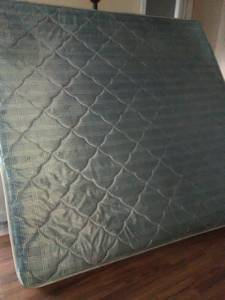 King Size Mattress with box springs (Jackson)